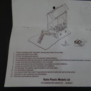 Plastic Ratio Models 260 Single Post Signal Kit